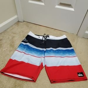NWOT Men's Quicksilver Board shorts